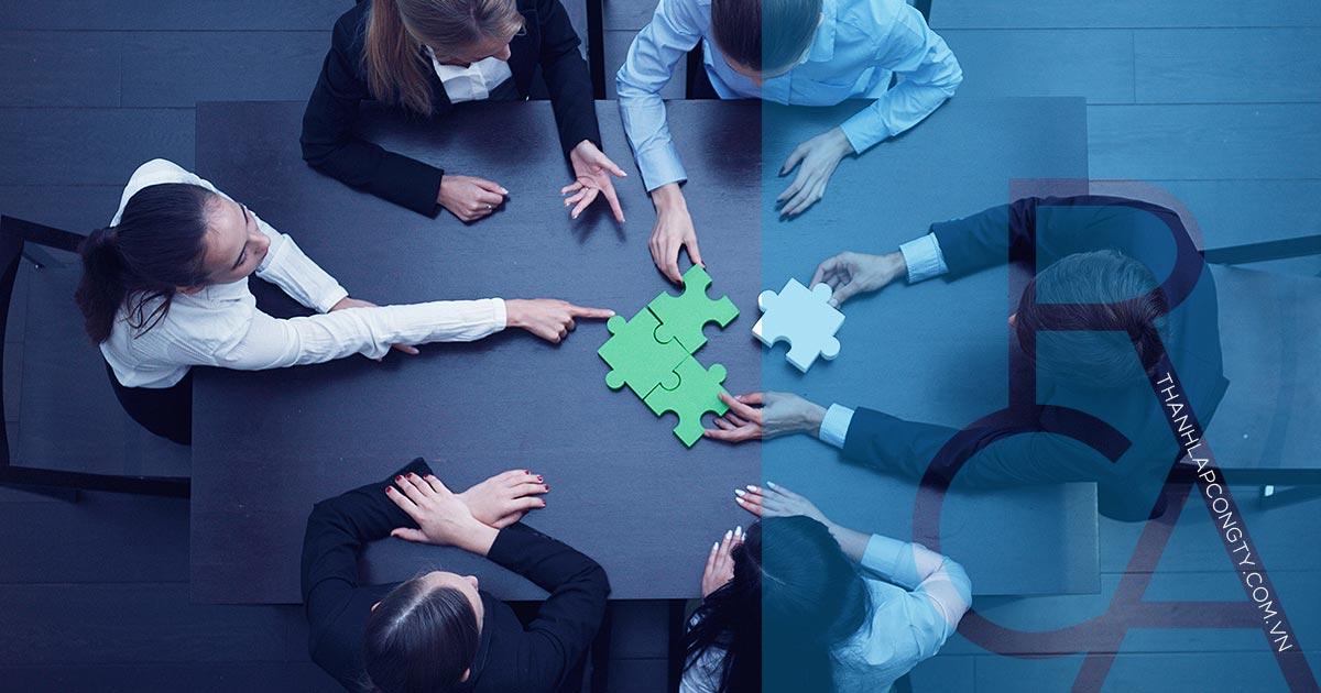 Nếu bạn đang có ý tưởng thành lập công ty liên doanh với nước ngoài, trước hết bạn cần hiểu công ty liên doanh là gì? Phải chuẩn bị những tài liệu gì trước khi thành lập liên doanh? Và cần nắm rõ quy trình để thành lập loại hình công ty đó như thế nào?